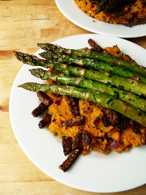 roasted asparagus over sweet potato mash